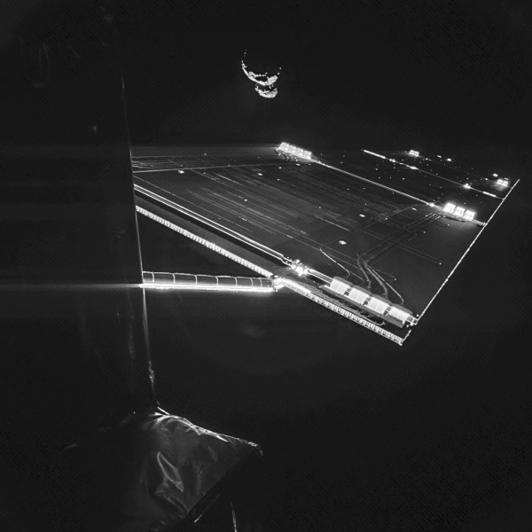 Rosetta_mission_selfie_at_comet-e1410372789496